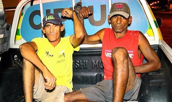 Valdomiro de camisa amarela (usa tornozeleira) ao lado de Francisco José. (Crédito: Kairo Amaral)