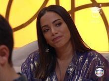 Anitta vira piada após aparecer no 'Encontro' com cara de ressaca