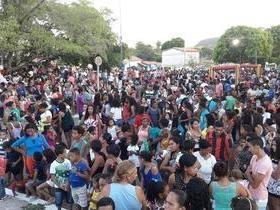 Dia das crianças reúne multidão em Palmeirais