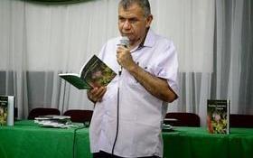 Professor unionense Lourival Lopes lança livro com textos em versos