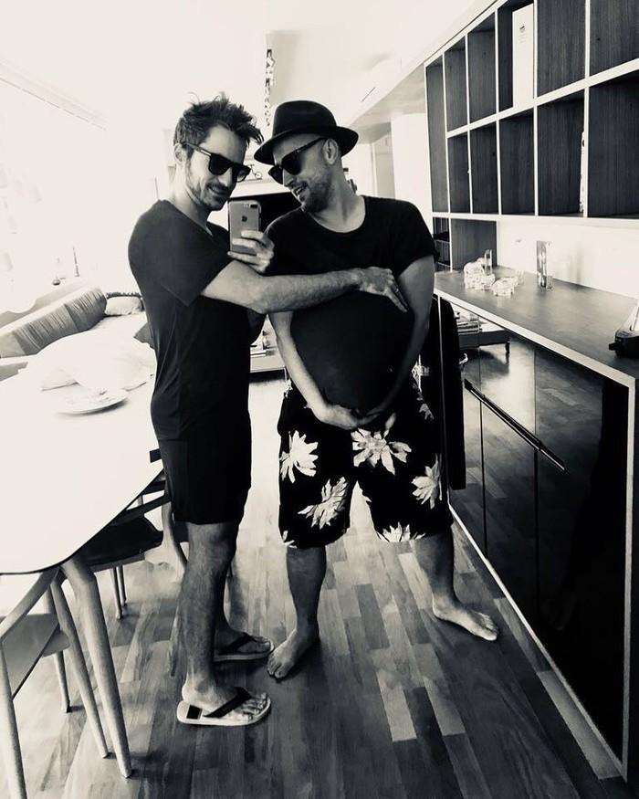 Paulo Gustavo e Thales Bretas anunciam gravidez (Crédito: Reprodução/Instagram)