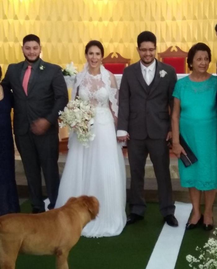 Pitbull roubou a cena em casamento (Crédito: Arquivo Pessoal)