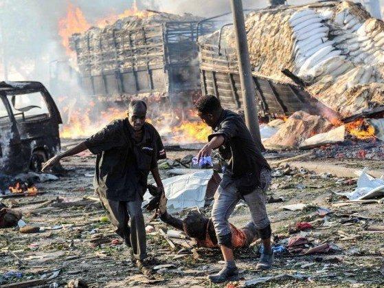 Ataque terrorista na Somália deixa cerca de 231 pessoas mortas