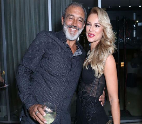 Rogério Gomes, Papinha, ao lado de Paolla Oliveira (Crédito: Rede Globo)