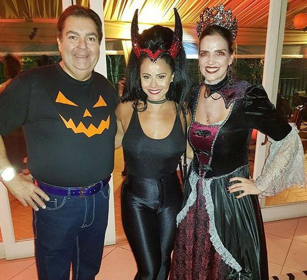 Viviane Araújo ao lado de Faustão e Luciana Cardoso (Crédito: Instagram)