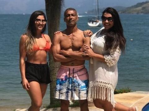 """Romário posa com as filhas e internautas comentam: """"Meu sogro"""""""