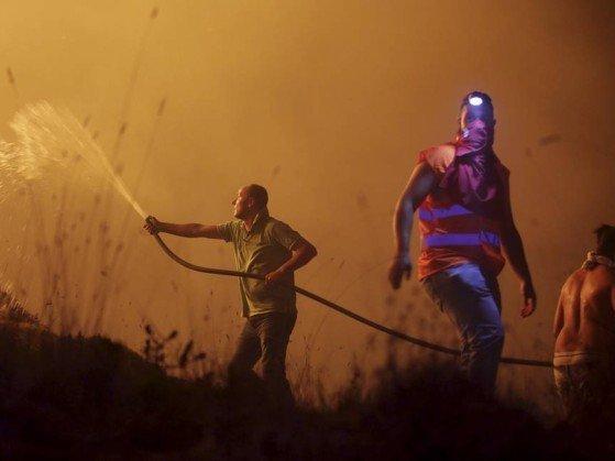 35 pessoas morrem em Portugal e na Espanha em novos incêndios
