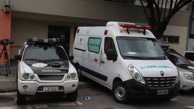 Médico é sequestrado com ambulância para atender a criminoso baleado no Rio