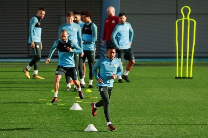 Gabriel Jesus, em treino do Manchester City antes de duelo com Napoli (Crédito: Jason Cairnduff/Reuters)