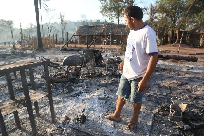Mais de 200 famílias perderam tudo no incêndio (Crédito: Efrém Ribeiro)