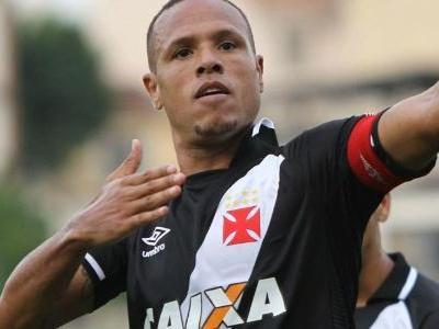 Lesionado, Luís Fabiano pede para não receber salários no Vasco