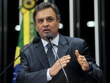 Senado rejeita decisão do STF e devolve mandato a Aécio Neves