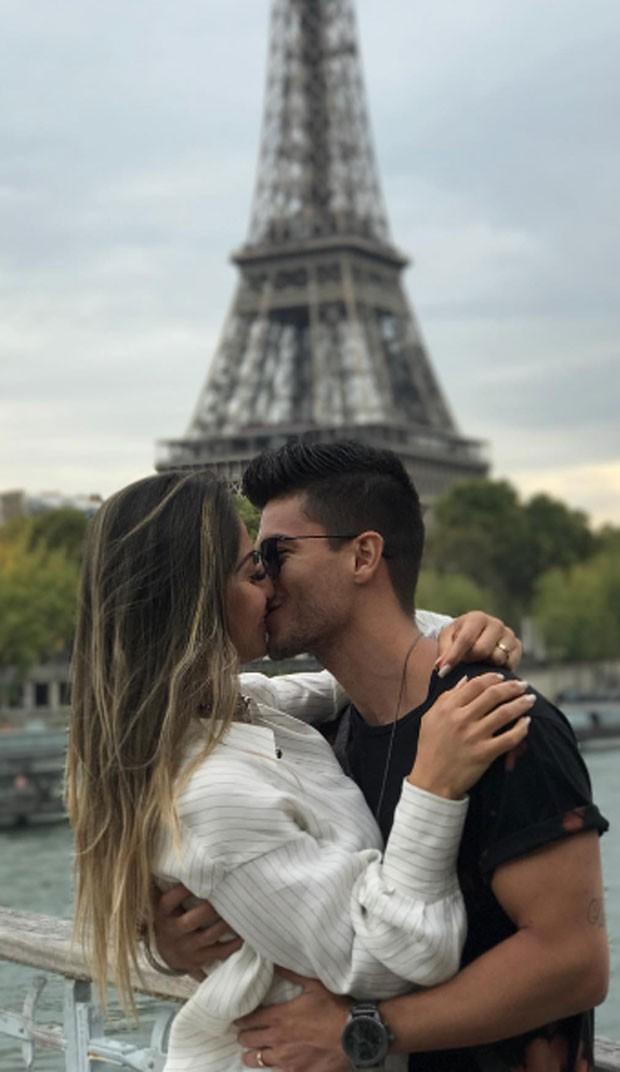 Mayra Cardi e Arthur Aguiar  em Paris (Crédito: Reprodução/ Instagram)