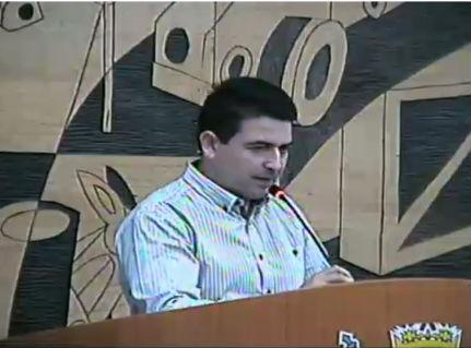vereador Ezequiel Bueno ameaçou prender Pablo Vittar