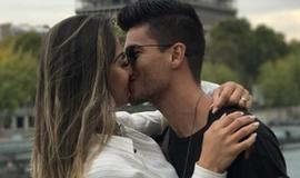 Mayra Cardi e Arthur se beijam em Paris após confusão em Veneza