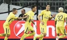 Neymar imita R10 e PSG bate Anderlecht por 4 a 0