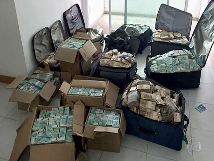 Malas achadas em apartamento onde foram achados R$ 51 milhões
