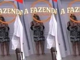 """Ana Paula Minerato aparece com aparelho suspeito em """"A Fazenda"""""""