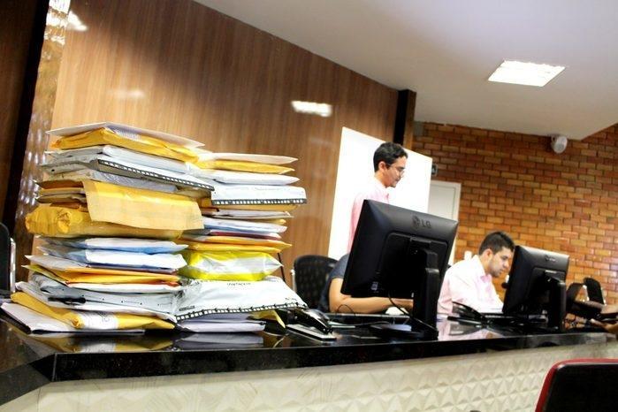 Cada empresa entrega dois envelopes, um com a habilitação e outro com a proposta (Crédito: TJ-PI)