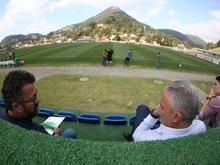 Tite treina pela primeira vez na Granja com 16 dos convocados