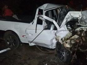 Colisão frontal entre veículos deixa homem morto na BR-316
