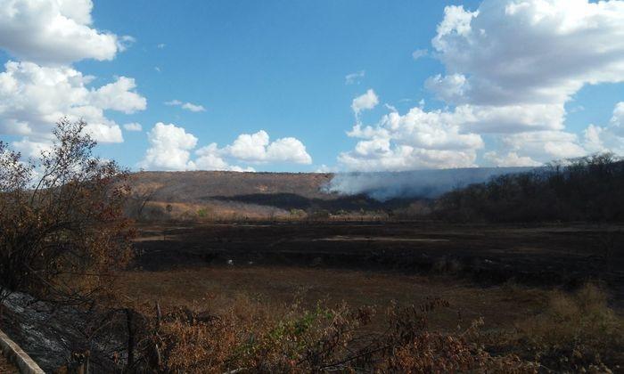 Incêndio em Santana do Piauí (Crédito: João Rodrigues)