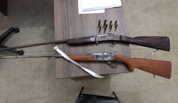 Armas apreendidas após três prisões em Regeneração (Crédito: Polícia Militar)