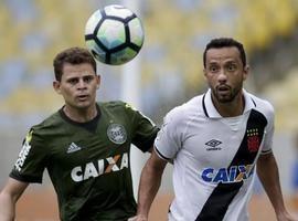 Com Maracanã lotado, Vasco da Gama cede empate ao Coritiba