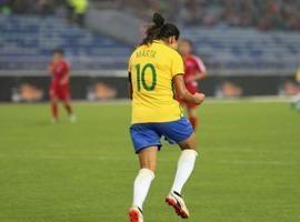 Seleção feminina vence Coreia do Norte com boa atuação de Marta