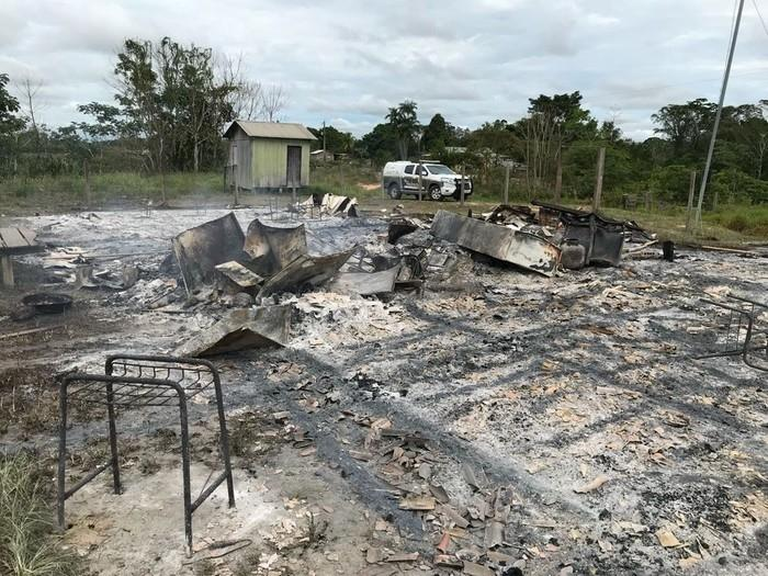 Escola ficou totalmente destruída (Crédito: Reprodução)
