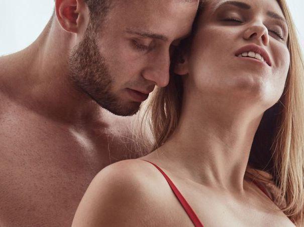 Estudo mostra como mulheres gostam de ser tocadas para ter prazer