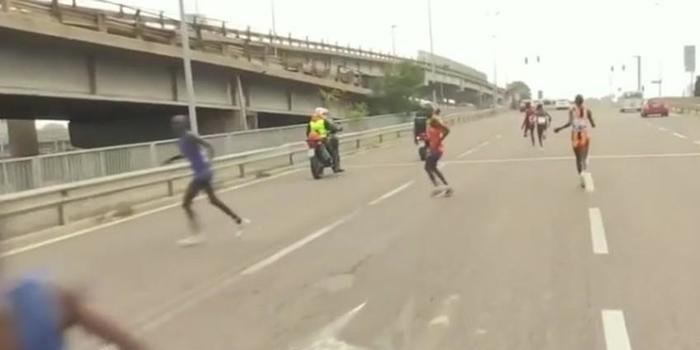 Batedor erra caminho e africanos perdem maratona na Itália