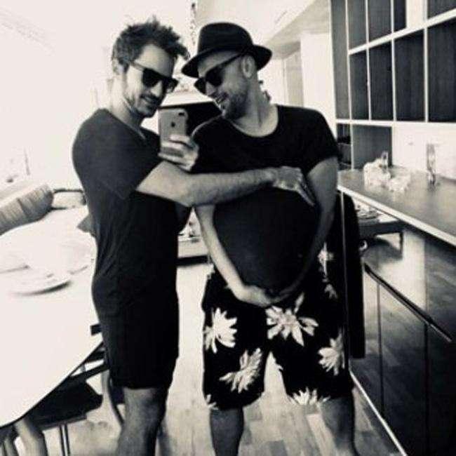 Paulo Gustavo e marido Thales Bretas serão pais de gêmeos  (Crédito: Reprodução)