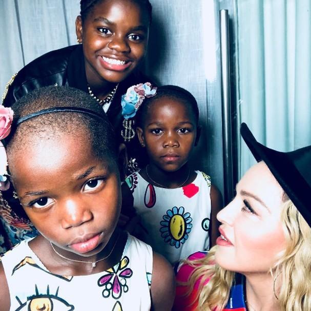 Madonna com as filhas (Crédito: Reprodução/Instagram)