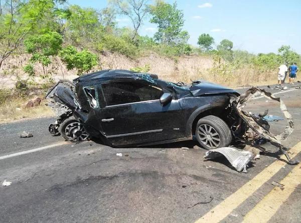 Carro em que vinha empresário morto em acidente na BR-316, no Maranhão (Crédito: Reprodução)