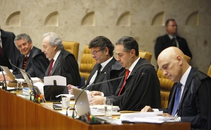 Ministros do STF durante julgamento que analisa doação de sangue por gays