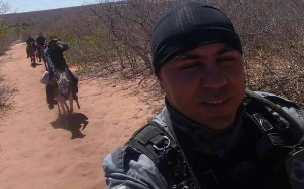 Policiais usam cavalos para atender ocorrência em São Raimundo Nonato (Crédito: Reprodução)