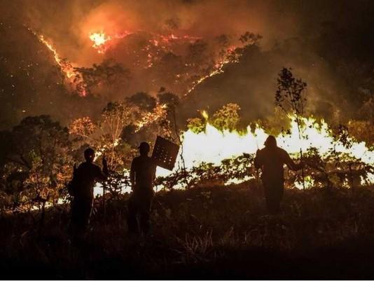 Incêndio na Chapada dos Veadeiros está controlado, diz ministro