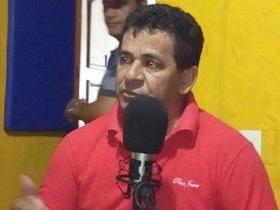 Prefeito Zé Carlos participa de programa na rádio Meio Norte fm