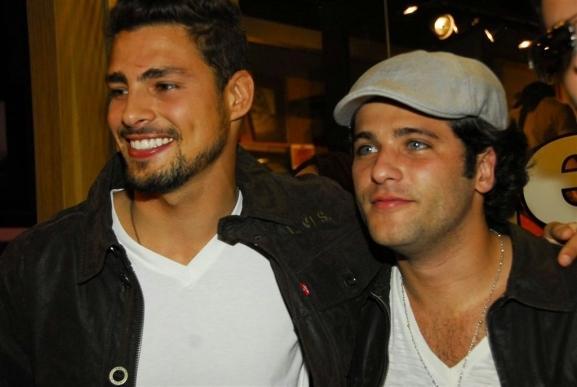 Cauã Reymond  e Bruno Gagliasso