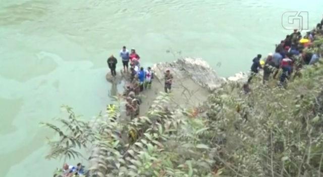 Vítimas de acidente com ônibus no Nepal (Crédito: G1/Globo)