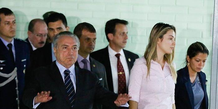 Presidente Temer faz cirurgia na próstata e continua internado