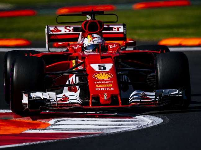 No GP do México, Vettel desbanca Hamilton e alcança pole-position