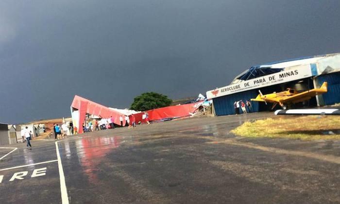 As estruturas foram jogadas na pista (Crédito: Divulgação)