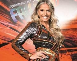 """Adriane Galisteu poderá ser contratada para ser """"reserva"""" na Globo"""