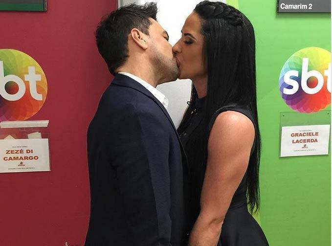 Zezé de Camargo e a noiva Graciele Lacerda  (Crédito: Reprodução/ Instagram )
