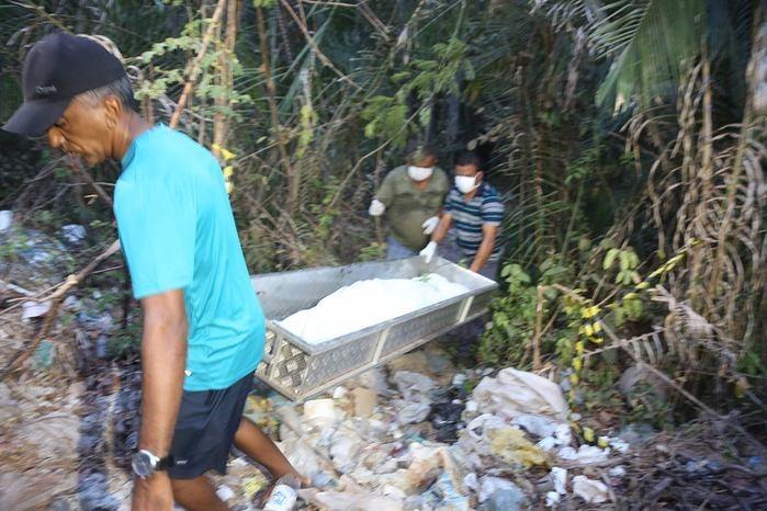 Corpo de Camilla Abreu foi encontrado em matagal (Crédito: Efrém Ribeiro )
