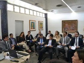 Rafael Fonteles apresenta dados da situação fiscal do Estado