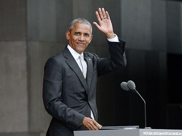 Obama chega ao Brasil para palestrar em evento com empresários