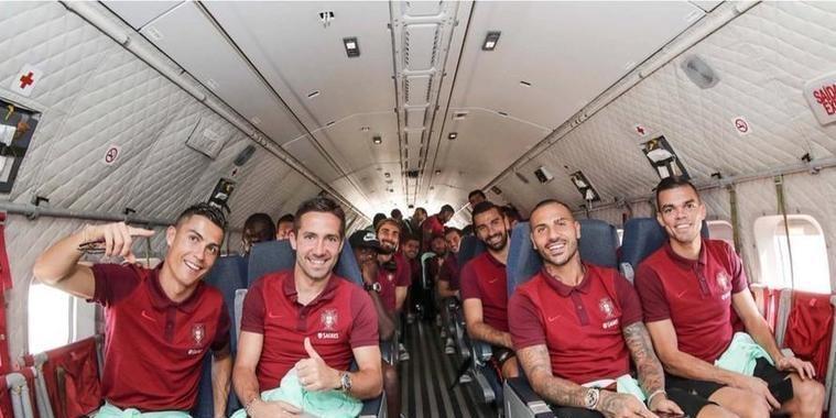 Seleção de Portugal viaja em avião militar para jogo decisivo